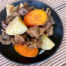 胡萝卜土豆炖牛腩