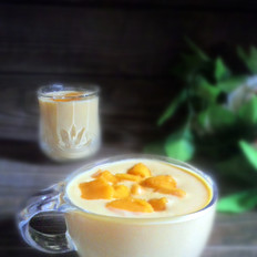 酸奶芒果奶昔