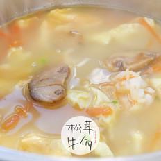 三鲜松茸菌汤|牛佤松茸食谱