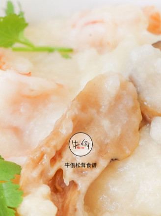 松茸虾油海鲜粥 牛佤松茸食谱的做法