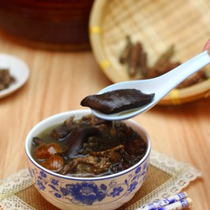 广东老火靓汤-鸡骨草龙骨汤