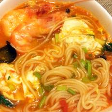 西红柿大虾混汤面