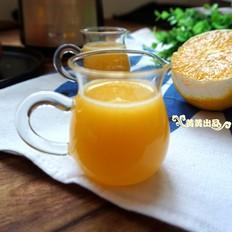 补充维C的好饮品:橙子苹果汁的做法
