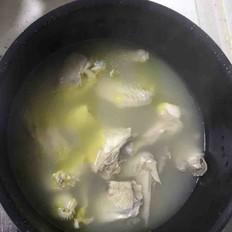 月子公鸡汤