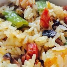腊肠杂蔬焖饭