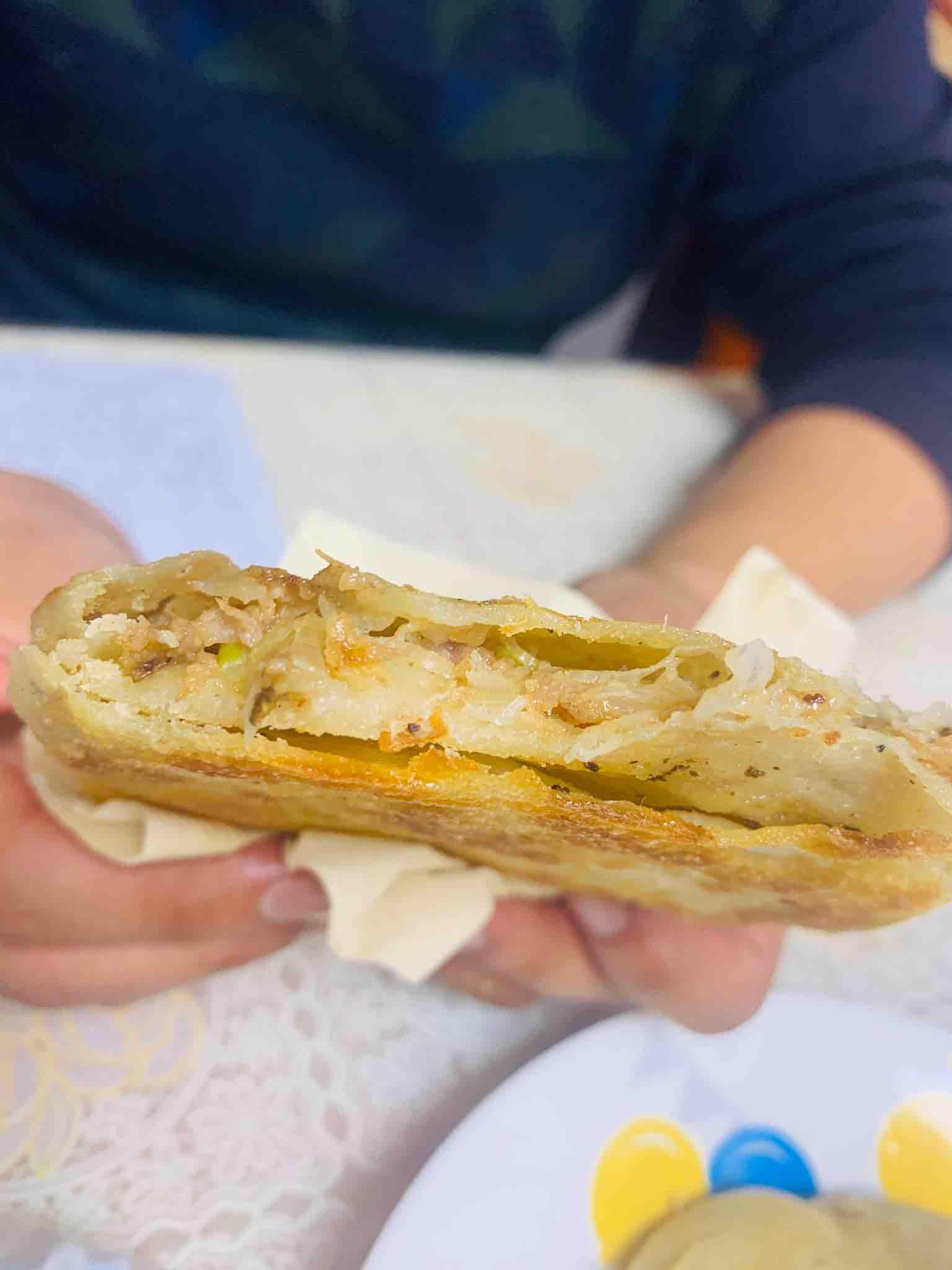椒香肉酥饼