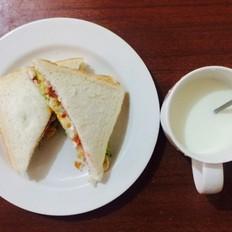 牛油果吐司三明治