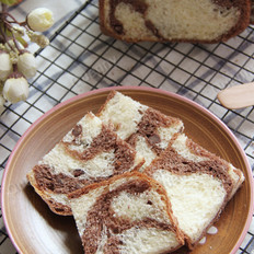 双色蜜豆面包