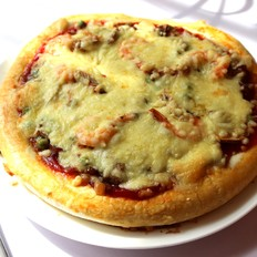 鲜虾菌菇熏肉披萨