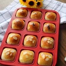 蛋黄小面包