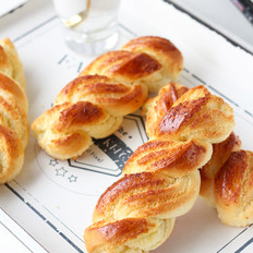 椰蓉麻花辫面包