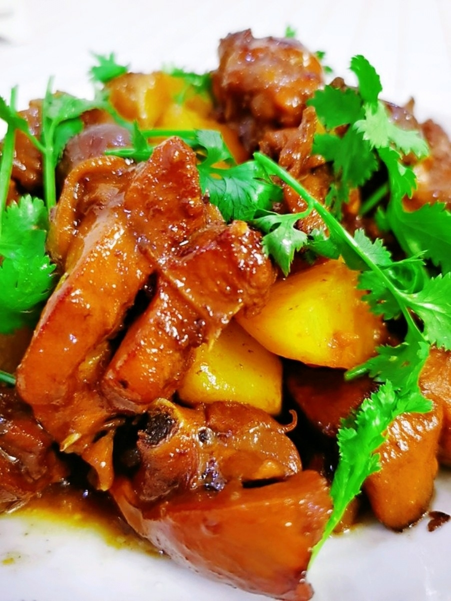 鸡肉焖土豆