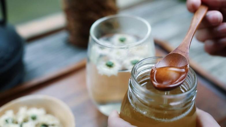 肝火旺,用眼过度,就喝菊花蜂蜜水的做法