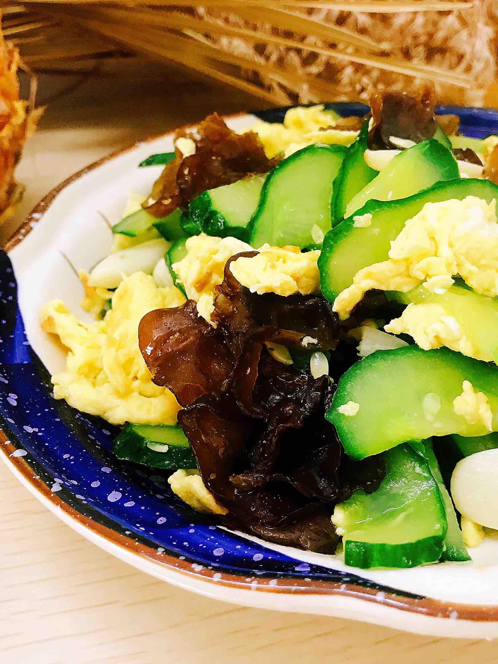 木耳黄瓜炒鸡蛋