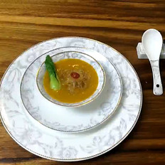 庄青山:当鲜味十足的素高汤遇上金黄浓郁的南瓜羹,一切来得都那么自然美好!