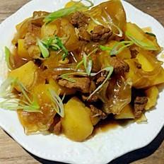 土豆猪肉炖粉皮
