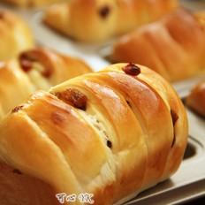 葡萄干小面包卷