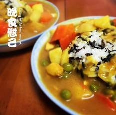 咖喱鸡肉菰米饭