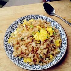 肉丝酱油蛋炒饭