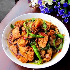 四川尖椒炒回锅肉
