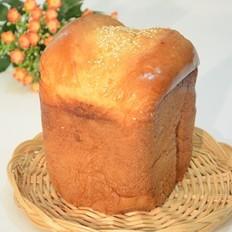 芝麻牛奶面包