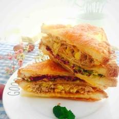 金枪鱼玉米脆三明治