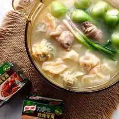 鸡腿馄饨浓汤煲