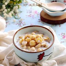 椰汁鲜莲子