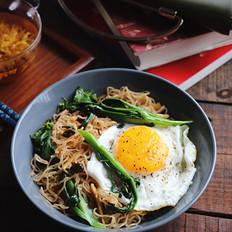 青菜鸡蛋炒米粉