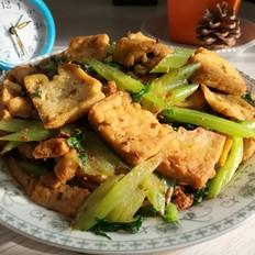 芹菜炒豆腐
