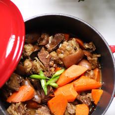 胡萝卜炖羊排