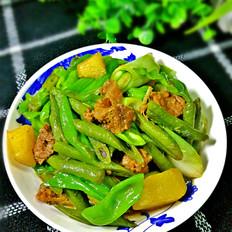 土豆豆角炖猪肉罐头