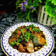 鲅鱼炖青豆