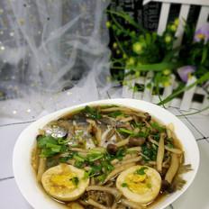 银鲳鱼炖海鲜菇