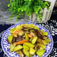 西葫芦炒香菇