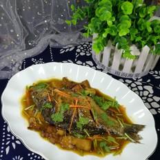 回锅肉炖鲫鱼