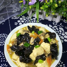 木耳口蘑熘豆腐
