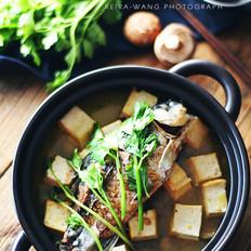 芹菜鲫鱼豆腐