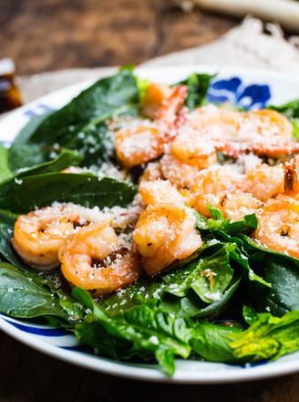 炒虾仁菠菜沙拉的做法