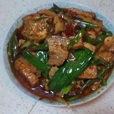 五花肉烧家常豆腐