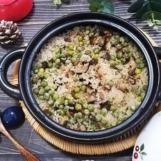 要想米饭好吃,选对米最关键!再加上咸肉,胡萝卜等做成煲仔饭,味道绝了,一人能吃一锅哟!的做法