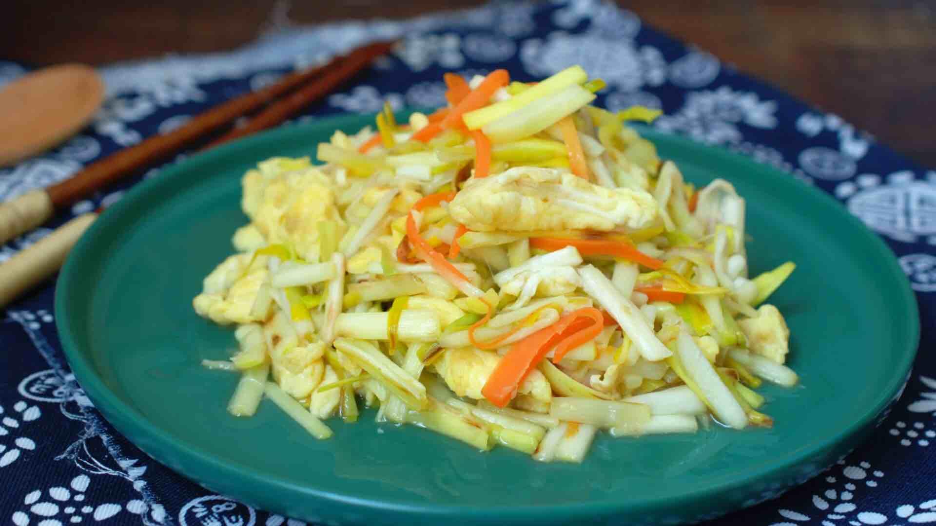 蒜黄炒鸡蛋,自带清香,简单又营养,5分钟上桌
