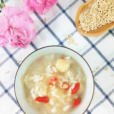 燕麦银耳莲子粥