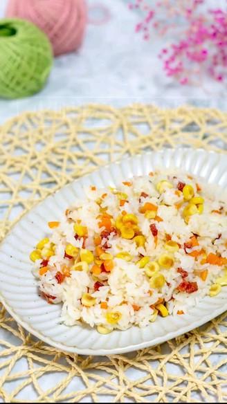 火腿肠玉米炒饭的做法