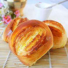 蛋黄椰蓉卷芯面包