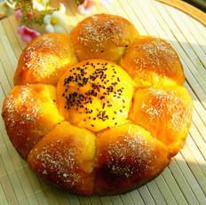 奶香胡萝卜花朵面包