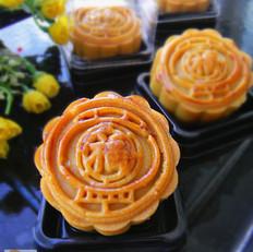广式豆沙肉松馅月饼