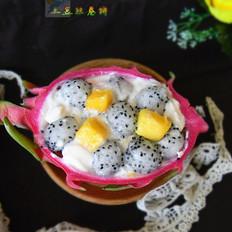 火龙果芒果酸奶杯