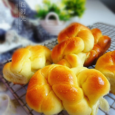 奶香麻花面包