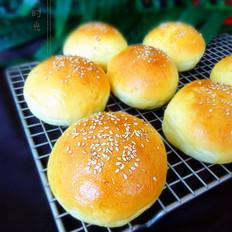奶香蛋黄面包